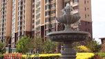 小区水系喷泉实拍图